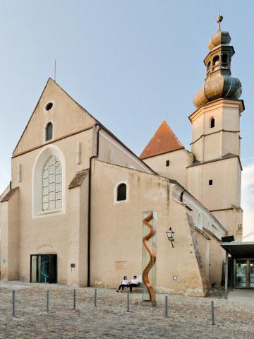 Minoritenkirche Krems Außen_Sto GesmbH,Christian Schellander.jpg